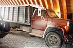 Picture: 1977 GMC C6500 S/A Grain Truck