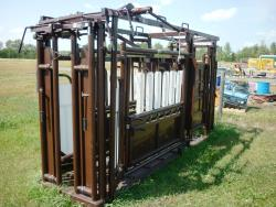 Item: Rugged Ranch Livestock Squeeze Deluxe (Built in Palpation Cage)