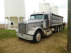 "Picture: 1992 Freightliner T/A Grain Truck w/ 60""x20 ft Courtney Berg Grain Unibody Box  & Hoist"