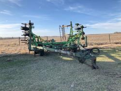 Picture: CCIL 807 DT Cultivator 28 Ft w/ Mt Harrows